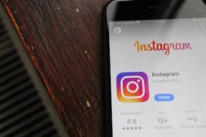 How to delete Instagram account on phone