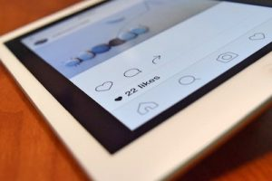 How to share a saved video on Instagram