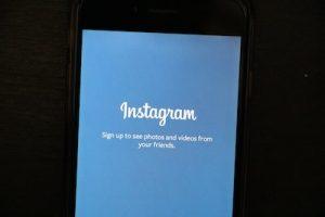 how to do swipe up on Instagram